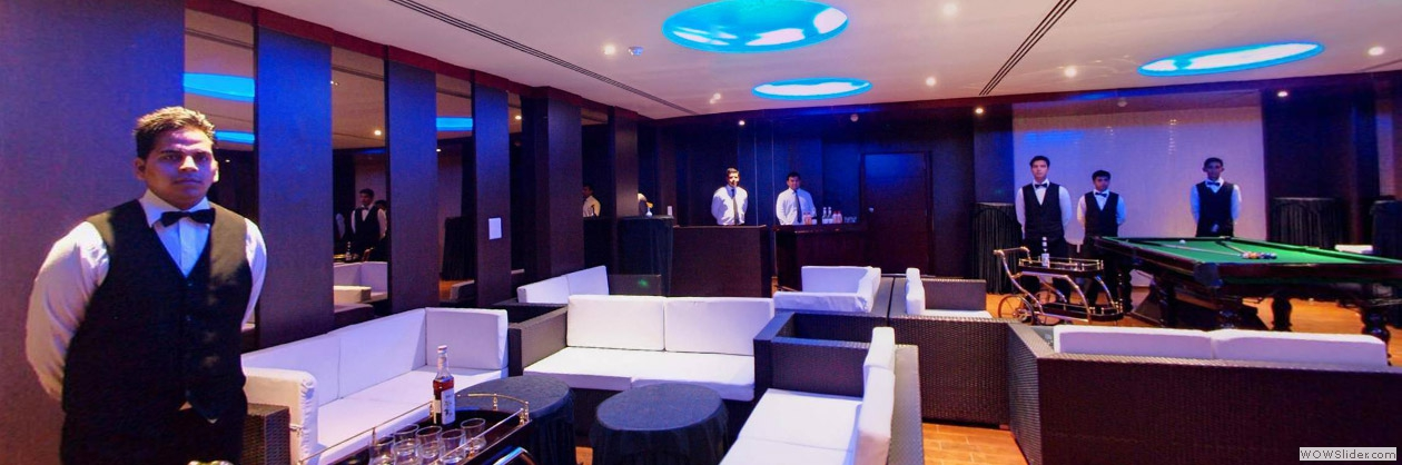 Gold Club - Just Come to Us and Toss a Drink to Enjoy the Evening